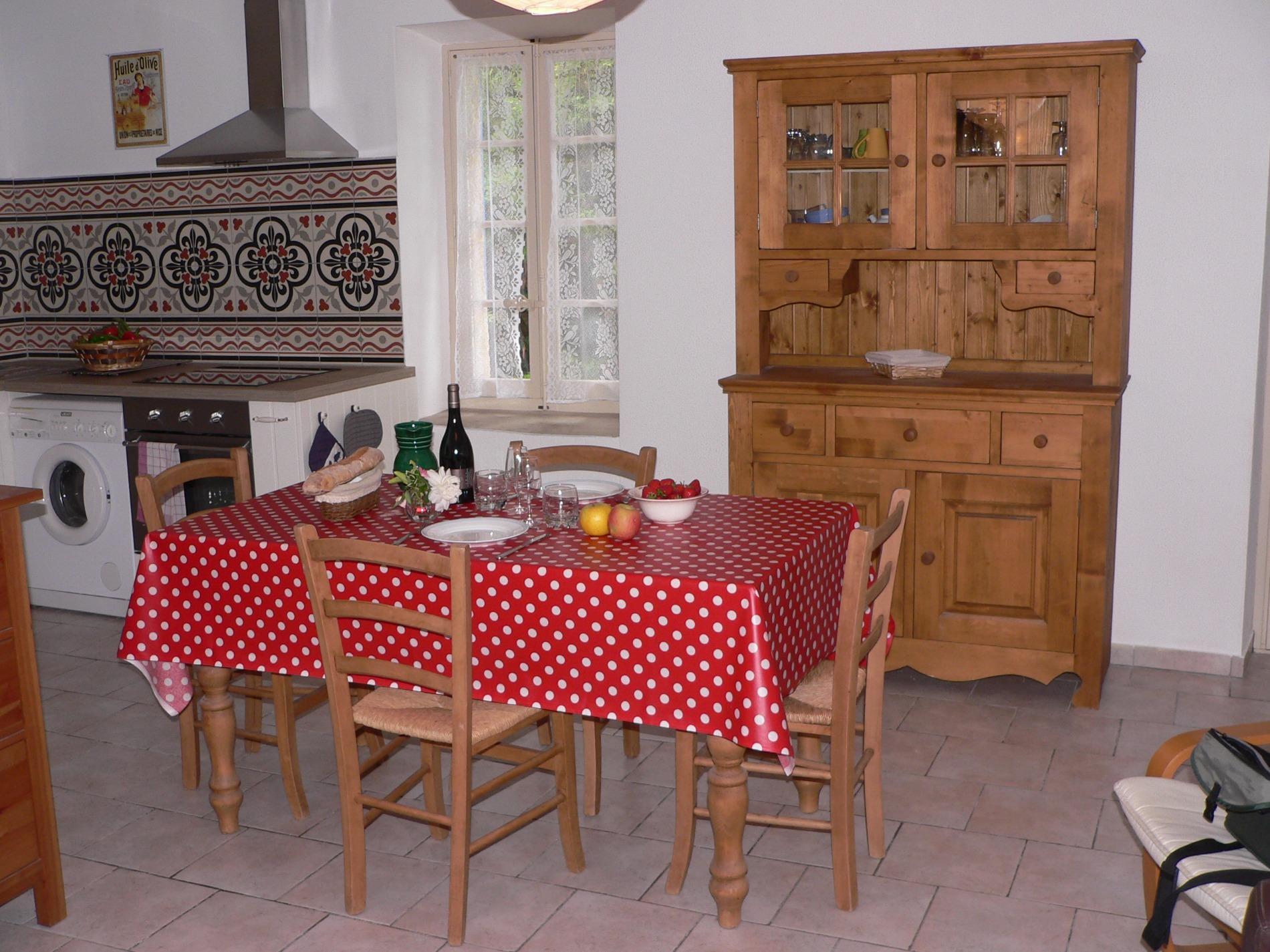 Offres locations vacances joli t2 en campagne for Ada salon de provence